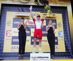 Kristoff gana al 'sprint' y Nibali conserva el maillot amarillo