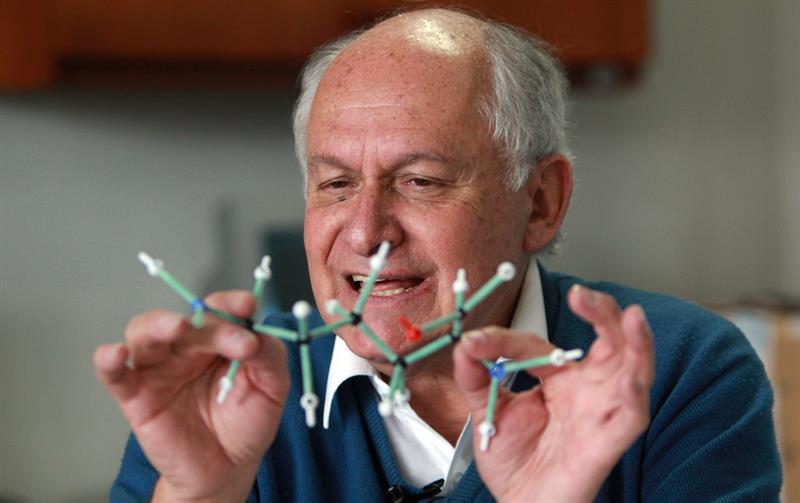 Manuel Elkin Patarroyo, dice que cuenta con la metodología para hallar nuevas vacunas