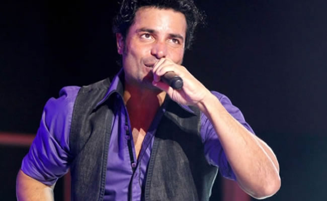 """Chayanne regresa al escenario musical con """"En todo estaré"""""""