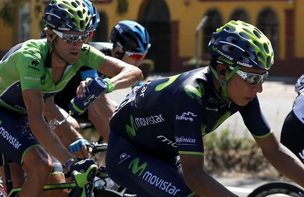 El ciclista español del Movistar Alejandro Valverde (i) y su compañero colombiano Nairo Quintana. Foto: EFE