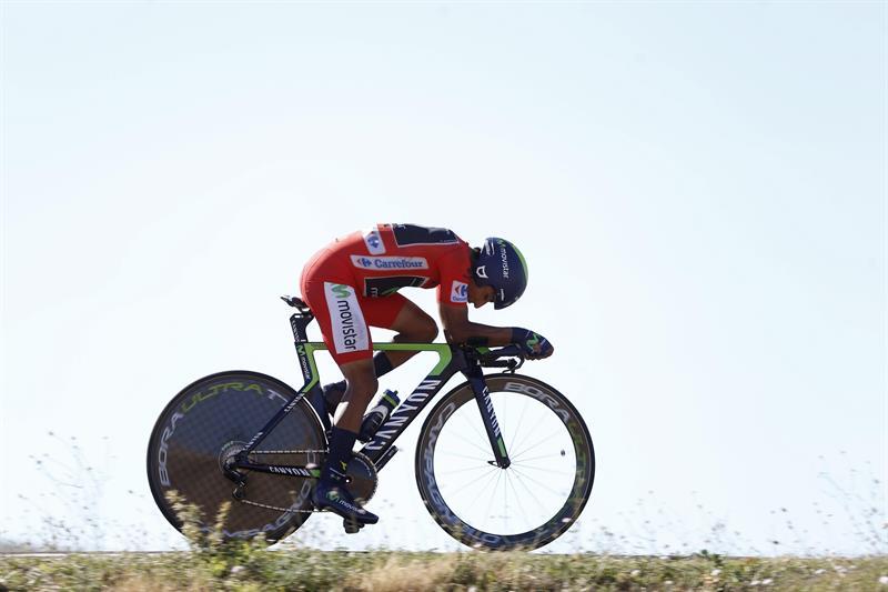 El colombiano Nairo Quintana (Movistar) durante la contrarreloj de la décima etapa. EFE