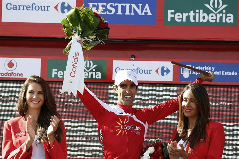 El ciclista español del equipo Cofidis Daniel Navarro, celebra su victoria en la decimotercera etapa. EFE
