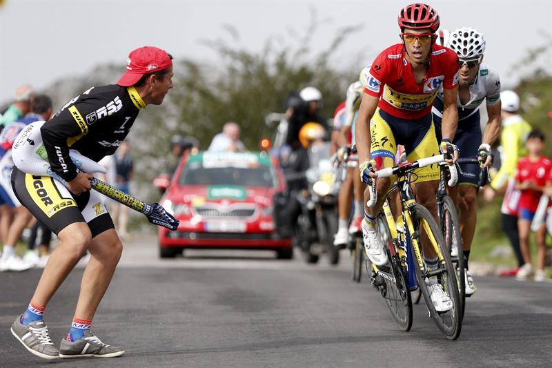 El ciclista madrileño del equipo Tinkoff Saxo, Alberto Contador y el catalán del equipo Katusha. Foto: EFE