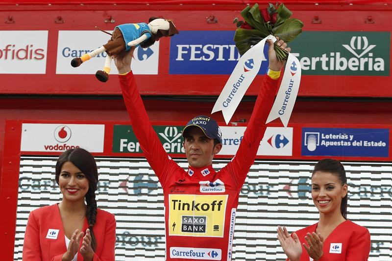 El ciclista español del equipo Tinkoff Saxo, Alberto Contador, sigue de lider. EFE