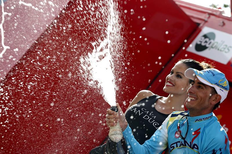 El ciclista italiano del equipo Astana, Fabio Aru, se ha proclamado el vencedor al termino de la decimoctava etapa. EFE