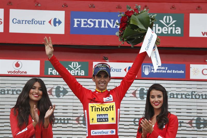 El ciclista español del equipo Tinkoff Saxo, Alberto Contador, sigue lider, al termino de la decimonovena etapa. Foto: EFE