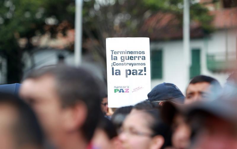 """""""Caminata por la paz, la vida digna y la democracia"""". Foto: EFE"""