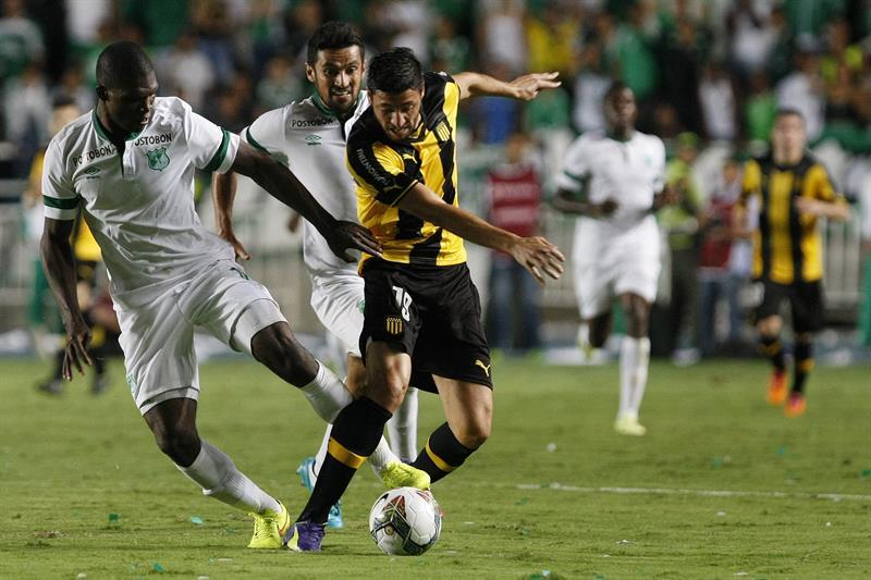 Cali perdió 1-0 de local ante Peñarol y quedó afuera. Foto: EFE