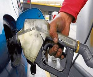Precio de la gasolina sube $21 y el del Acpm $57