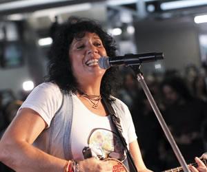 """Rosana: """"Yo hago música sin complejos"""""""