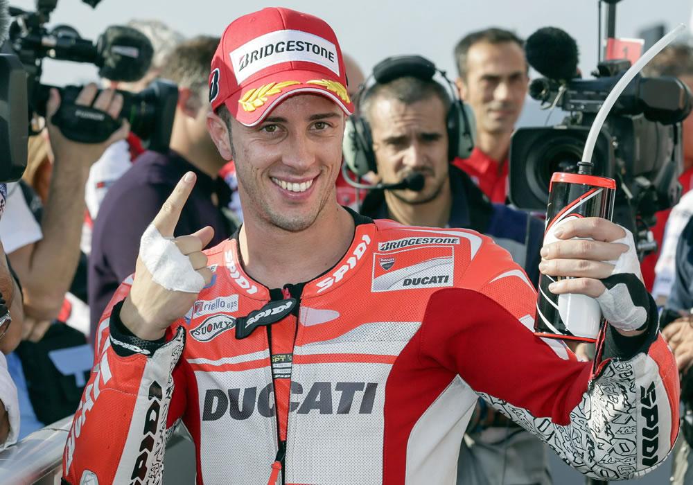 """El italiano Andrea Dovizioso (Ducati Desmosedici) gana su primer premio """"gordo"""" al adjudicarse la 'pole' del Gran Premio de Japón de MotoGP. Foto: EFE"""