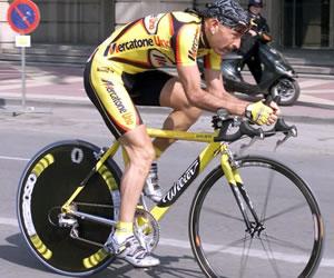 Investigan si la expulsión del Giro de Pantani fue provocada por la mafia
