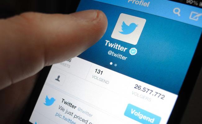 Twitter ya permite compartir también audios. Foto: EFE