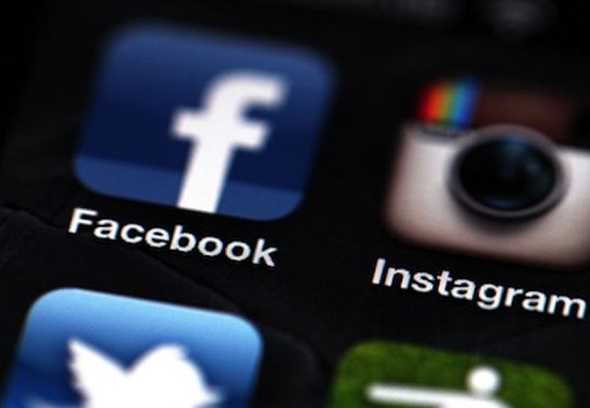Facebook lanza una aplicación para móvil que permite chatear de forma anónima. Foto: EFE