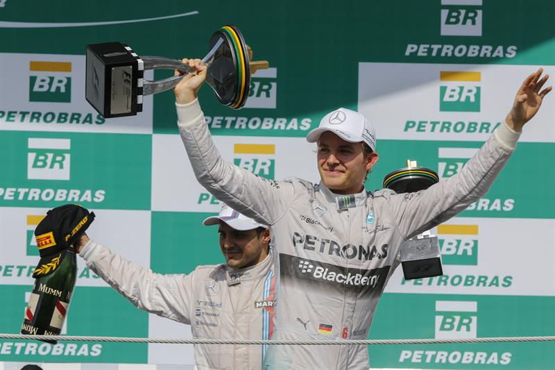 Rosberg supera a Hamilton en Brasil