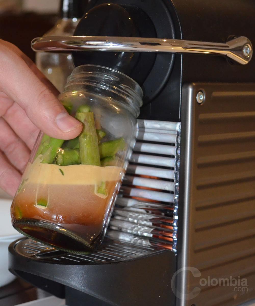 Espárragos Nespresso por el chef Alejandro Cuellar