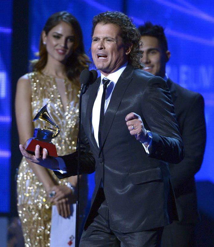 Carlos Vives dedica premio Grammy a Obama