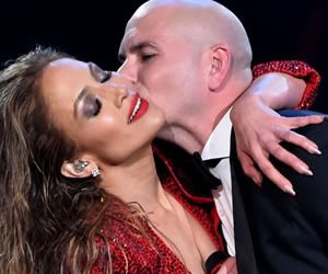 Pitbull y Jennifer López pusieron el picante a los Amercan Musica Awards