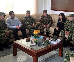 Los tres liberados por las FARC explican su secuestro al ministro de Defensa