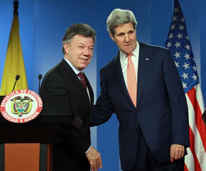 Santos coincide con Kerry en importancia de acelerar diálogos de paz