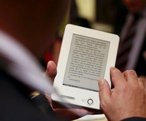 El uso de libros electrónicos influye en el sueño