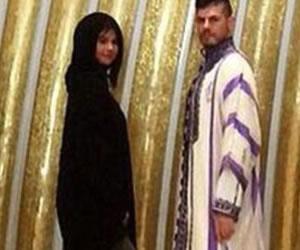 Polémica por una foto de Selena Gomez en una mezquita