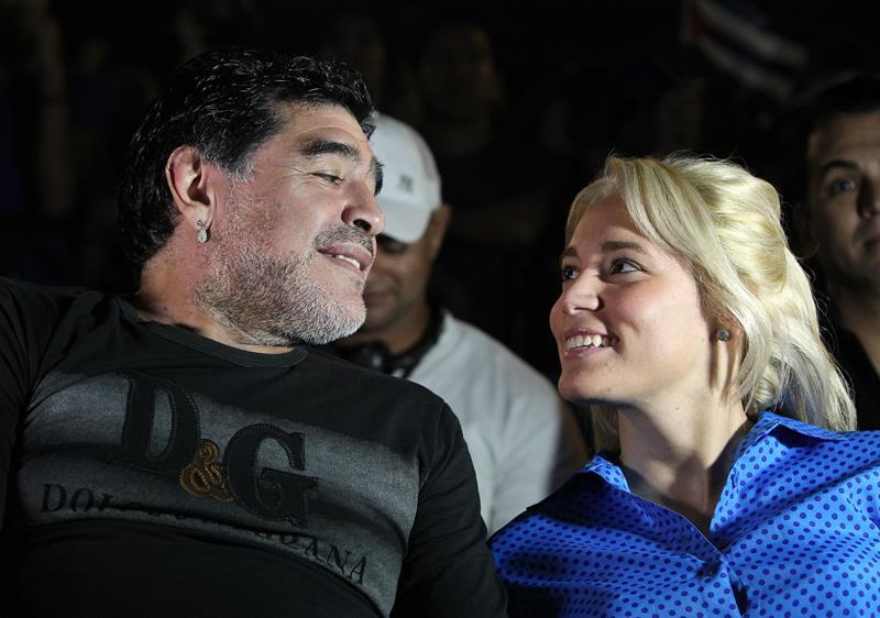 Maradona en el concierto de Silvio Rodríguez