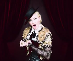 Madonna torera en el vídeo de 'Living For Love'