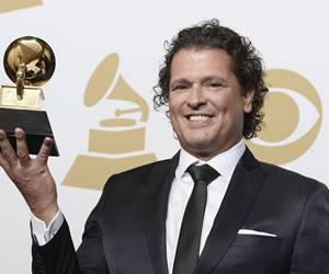 """Carlos Vives se lleva el Grammy por su álbum """"Más + Corazón Profundo"""""""