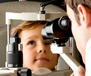 Un problema visual puede afectar el aprendizaje de los niños ¿Cómo prevenirlo?