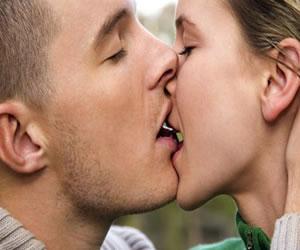 La encuesta que nos dice ¿Qué tipo de beso les gusta a los latinos?