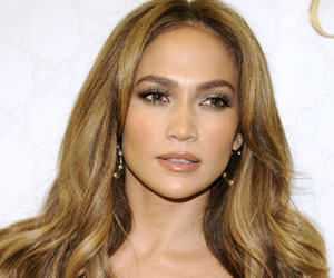 Jennifer López volverá a representar a Selena