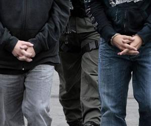 Autoridades ecuatorianas entregan a Colombia a presuntos guerrilleros