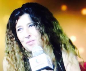 Elsa Riveros regresa a Colombia con 'Déjame en Paz'
