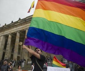El 73 % de los colombianos se opone a la adopción gay
