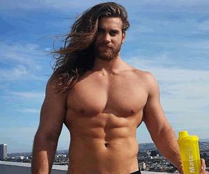 Brock O'Hurn tiene el peinado más sensual de Instagram