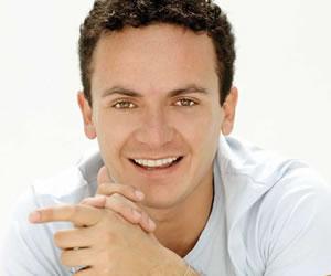 Fonseca recibirá premio de la SESAC en Los Ángeles