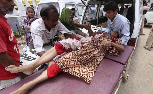 Cerca de 800 personas han muerto por ola de calor en Pakistán