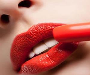¿Cómo aliviar los labios rotos?