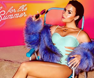 [Vídeo] El lado más sexy de Demi Lovato en Cool of the Summer