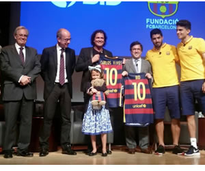 Carlos Vives se reunió con jugadores del Barcelona