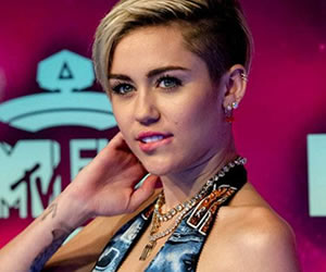 """Miley Cyrus: """"Soy Pansexual"""""""