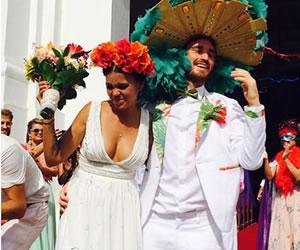 Se casó la vocalista de Bomba Estéreo