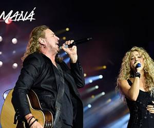 Shakira apareció en concierto de Maná