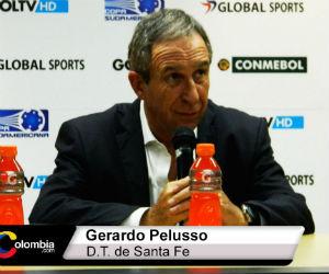 Gerardo Pelusso molesto tras la derrota y clasificación de Santa Fe a los octavos