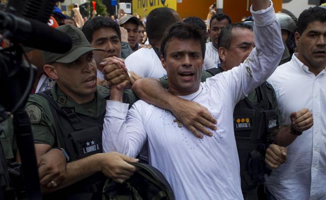 Leopoldo López fue sentenciado a casi 14 años de cárcel. Foto: EFE