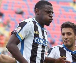 Duván Zapata le dio el triunfo al Udinese en Italia y se lesionó