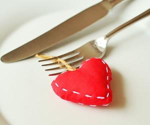 ¿Las mujeres se enamoran con comida?
