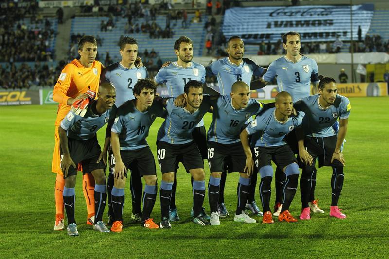 Colombia perdió 3-0 en Uruguay con goles de Godín (34') y Rolán (51') y Hernández (88'). Foto: EFE