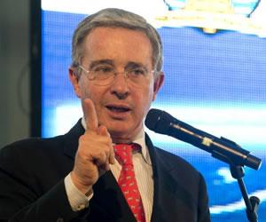 Álvaro Uribe reconoce errores del Centro Democrático en elecciones